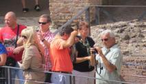 Gente en Roma - Colosseo