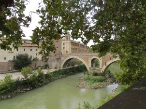 Isola Tiberina - Ponte Fabricio